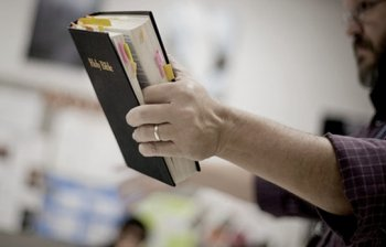 New report highlights growing incursion of evangelical Christians into state schools