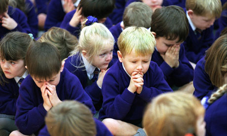 The obligation of teaching philosophy and religion in schools