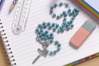 Church of England 'misselling school admissions policies'