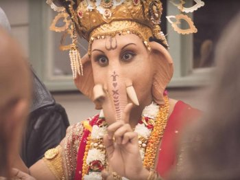 Joke leads to ad ban after Hindu fundamentalists complain