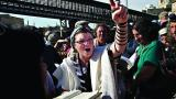 Thousands of Charedi Jews try to stop progressive women praying at Jerusalem holy site